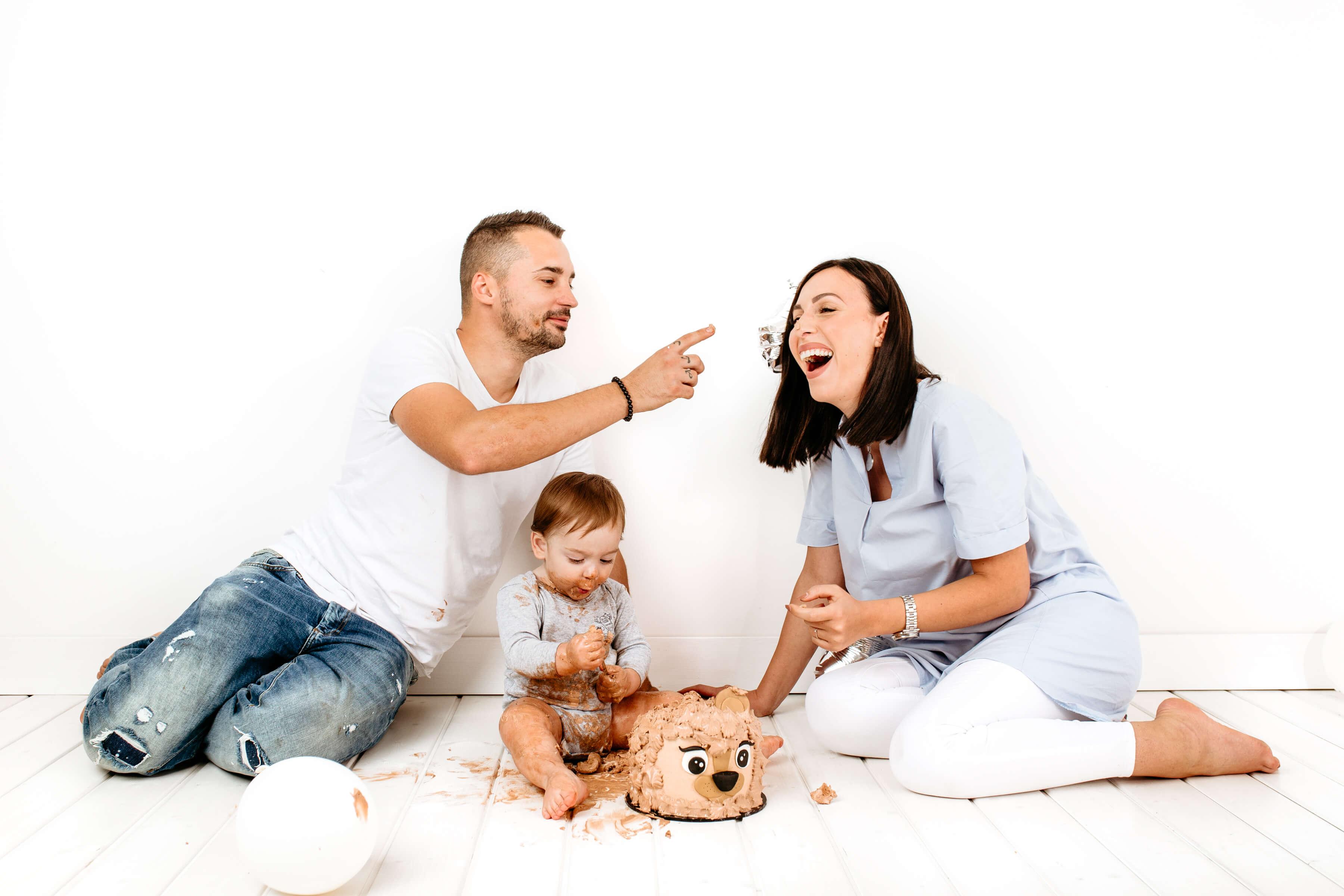 Luanina pravljica - fotografiranje nosecnic, novorojenckov, cake smash in druzinska fotografija - 010